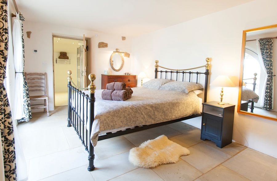 Ground floor en suite bedroom ideal for semi abled and those with mobility issues