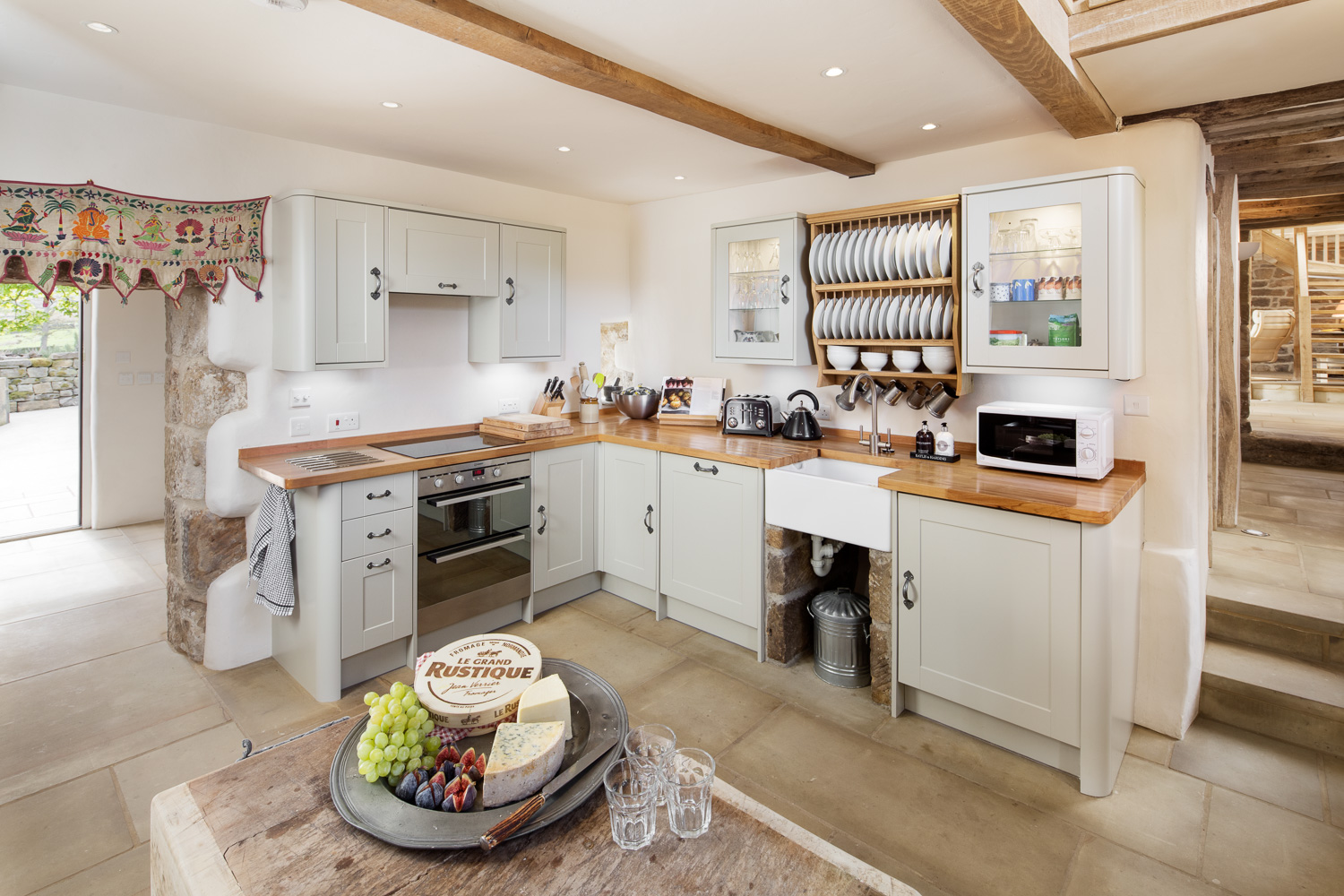 Fully equipped kitchen North York Moors Whitby luxury holiday cottage