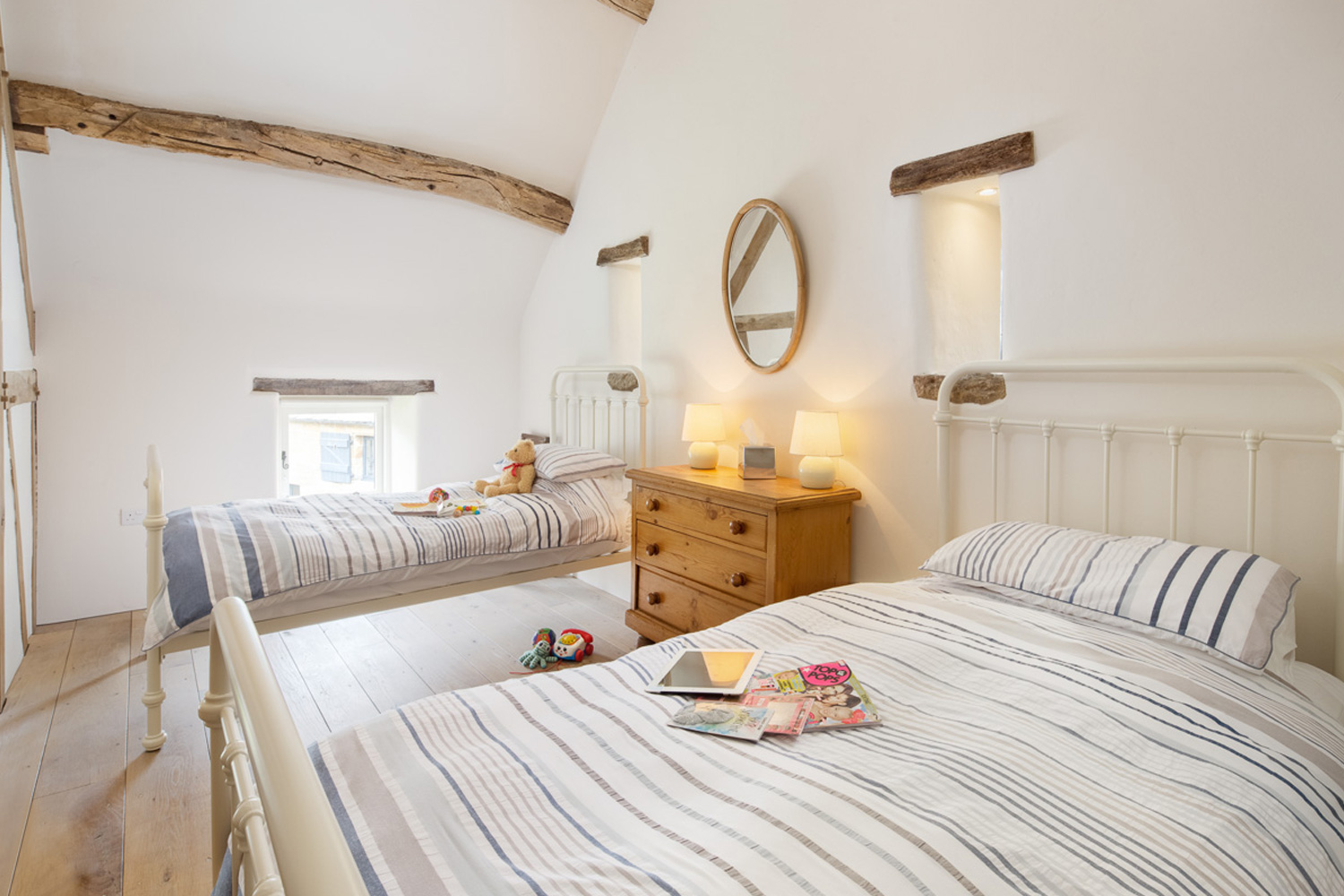 5* luxury holiday cottage North York Moors Gorgeous comfy twin bedroom
